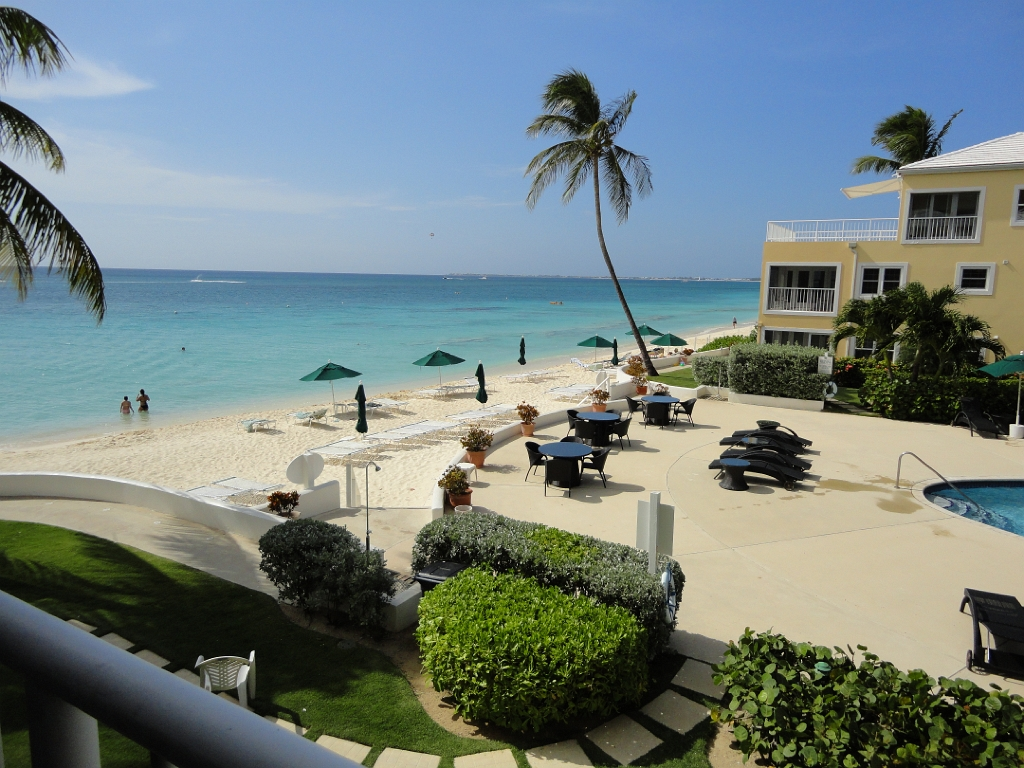 Seven Mile Beach Grand Cayman 3 Bedroom Condo Sleeps 8